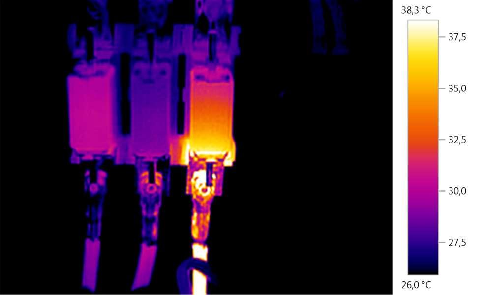Biztosító aljzat hőkamerás felvétel