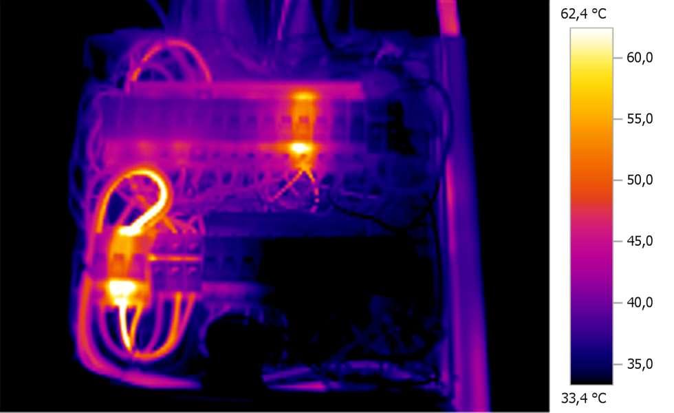 Kapcsolótábla hőkamerás felvétel